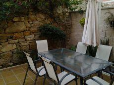 Seminuevo, patio, buhardilla, urb. Con piscina