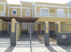 Chalet residencial a estrenar con jard�n y terraza