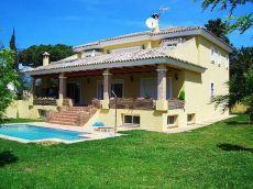 Bonita villa en Elviria, sin muebles
