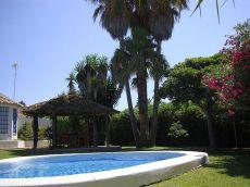 Vistahermosa, chalet amueblado, piscina, jard�n junto al mar