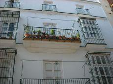 Centro, apartamento amueblado con patio privado