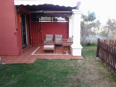 Amplio pareado con 4 dormt, piscina y jardin propios