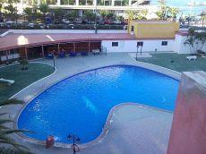 Piso con piscina, amueblado, vistas al mar. Los Cristianos