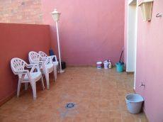 Casa con 4 hab. , Trastero y garaje de 90 m2 y terrazas.
