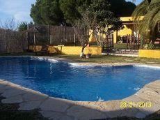 Se alquila chalet con piscina en Pinar a 30 mts carretera