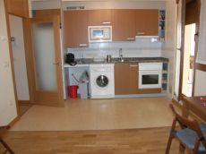Apartamento seminuevo de 1 dormitorio equipado al lado del a