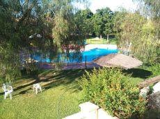 Pareado de 3 dormitorios con piscina comunitaria