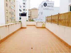 Apartamento seminuevo con gran terraza en General Riera