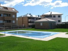 Apartamento con garaje, piscina, padel ,casi nuevo