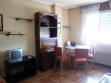 Apartamento amueblado jto Cl�nico con garaje 1d servic 470