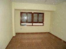 Amplio piso reformado sin amueblar