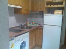Villarejo. Estudio muy amplio con cocina independiente. Cale