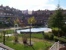 Urbanizacion con piscina