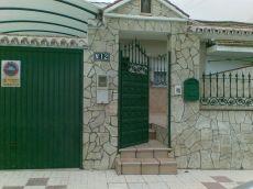 Casa 3 dormitorios con garaje terraza y patio