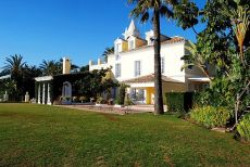 Villa de gran lujo con casa de invitados, cine