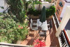 Atico amueblado, con terrazas ajardinadas y vistas
