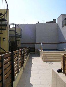 Apartamento nueva construcci�n con piscina plaza de parking