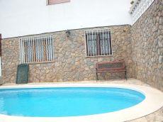 Casa de 236 m con piscina y vistas al mar