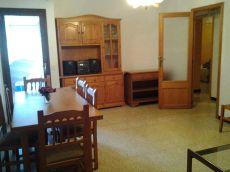 Piso de 3 habitaciones, amueblado, aire acondicionado.