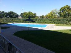 Piso con garaje,piscina zona comunitaria terraza