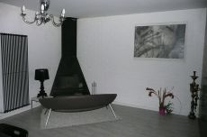 Precioso adosado sin muebles moderno bodega chimenea