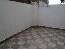 Piso de 75 m2, 3 habitaciones, y patio