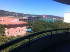 Apartamento en alquiler todo el a�o enfrente Hotel Monterrey