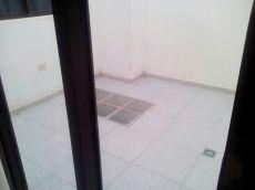 Se alquila piso amplio, patio interior, balc�n. Las Galletas