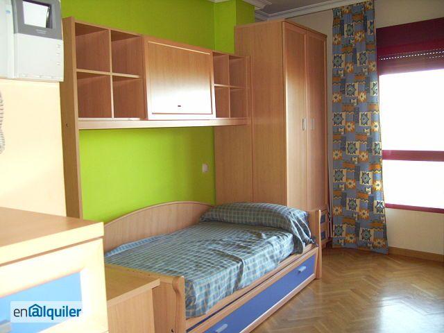 dormitorio de la universidad criada