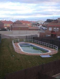 Adosado en urb privada con piscina ,garaje,buhardilla,solari