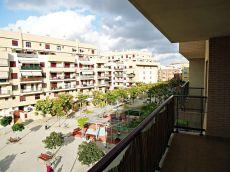 Amplio apartamento en residencial con piscina
