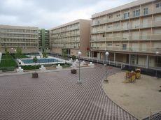 4 dormitorios y 2 ba�os. Trastero, garaje y piscina.