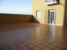 Apartamento c�ntrico con gran patio privado
