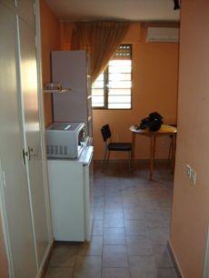 Estudio amueblado residencial Holding n 22 puerta 1