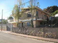Casa con Piscina, reformada, buenas vistas, bien situada.