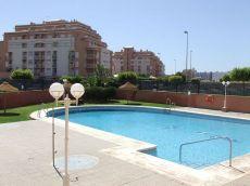 Estudio Roquetas piscina y terraza grande