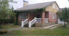 Alquiler chalet Pedrezuela , 4 dormitorios, 2 ba�os, 800 m2