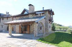 Tipica Ceretana, 215 m2 en el mismo pueblo. Con jardin