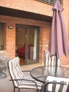 Alquiler apartamento nuevo con terraza y parkin