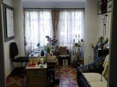 Primer piso techo libre, 3 habitaciones, terraza.