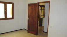 Alquilo apartamento interior en buen estado