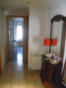 Piso 3 habitaciones en el centro de Jaca