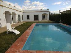 Apartamento adosado con jard�n y piscina