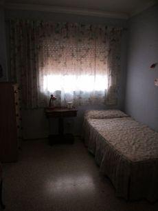 Amplio piso cuatro dormitorios en san juan telde