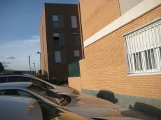 Vivienda de tres dormitorios, garaje y trastero amueblada
