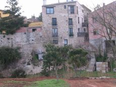 Casa con huerto, a 16 km de Figueres.