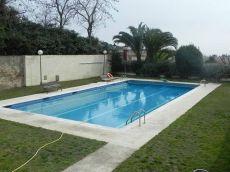 Unifamiliar adosada con piscina