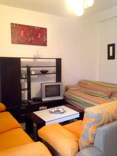 Alquiler casa dos dormitorios zona boliches.