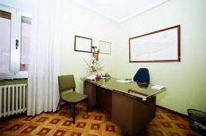 Piso de 4 habitaciones muy centrico, opcion para oficinas