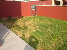 Pareado nuevo, jard�n 300 m2, buhardilla, solarium, piscina